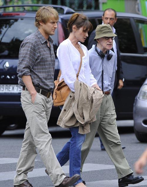 Carla Bruni se pone a las órdenes de Woody Allen en el rodaje de 'Midnight in Paris'