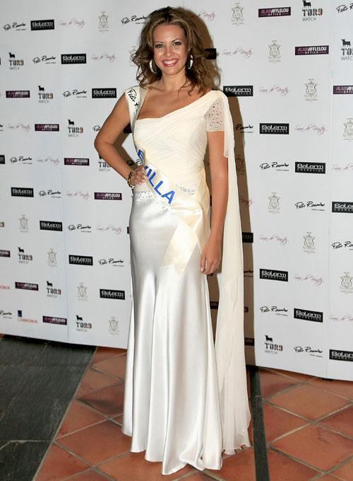 Jessica Bueno, ex novia de Feliciano López, favorita para ganar Miss España 2010 tras alzarse con tres premios en la gala previa