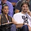 Unos enamorados Pau Gasol y Silvia López animan a Rafa Nadal en Indian Wells