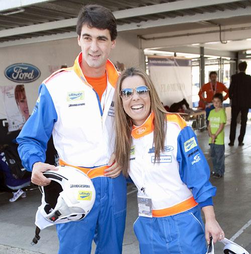 María José Campanario se pone el casco y se lanza a la carrera acompañando a su marido, Jesulín de Ubrique