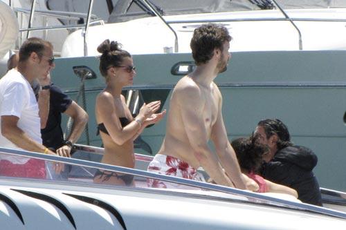 Pau Gasol y su novia Silvia López, romanticismo en alta mar