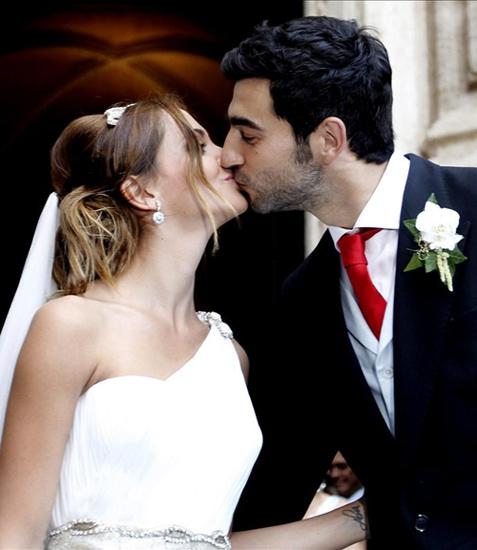 el fubolista raúl albiol y su novia, alicia roig, se casan en la