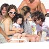 Arancha Sánchez Vicario luce embarazo en Formentera junto a su marido, Josep Santacana, y la pequeña Arancha