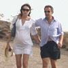 Carla Bruni luce embarazo durante sus vacaciones con Sarkozy en la Costa Azul