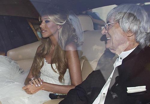 Petra Ecclestone, acompañada de su padre Bernie, el día de su boda