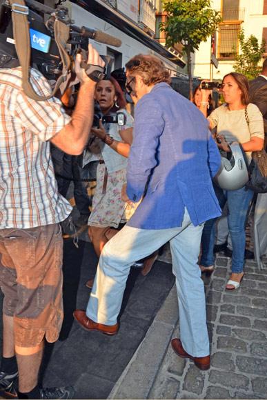 Alfonso Diez pasa su última noche de soltero en un hotel de Sevilla