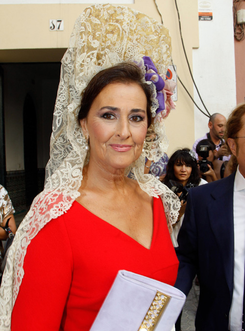 La elegancia de Carmen Tello, madrina de la boda de la duquesa de Alba y Alfonso Diez