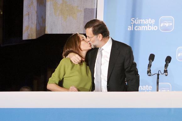 Tímida, discreta y el principal apoyo de su marido, ¿cómo es Elvira Fernández, la mujer de Mariano Rajoy?