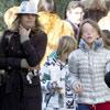 Arantxa de Benito asiste en solitario a la fiesta de Navidad del colegio de sus hijos