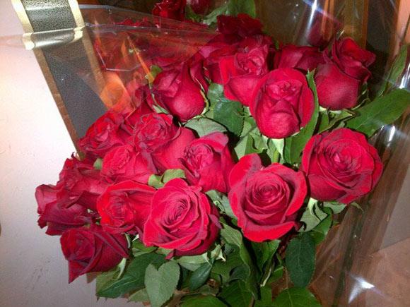 Rosas rojas y una tarta de chocolate muy española para celebrar el ...
