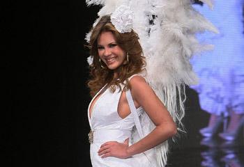 Kiko Rivera y Jessica Bueno: 'Estamos muy enamorados pero la boda, de momento, está aparcada'