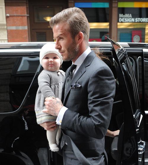 ¡En mi primer desfile de mamá! Harper Seven Beckham, la 'princesita' de la Semana de la moda de Nueva York