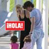 En ¡HOLA!: Nicolás Vallejo-Nágera y Carolina Cerezuela tarde de juegos con sus respectivos hijos en un parque de Miami