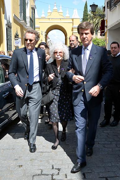 Los duques de Alba, Genoveva Casanova, Francisco Rivera y Lourdes Montes... fieles a su cita con la Semana Santa sevillana