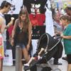 Elena Tablada disfruta de los primeros días de sol en Ibiza junto su novio, Daniel, y su hija, Ella
