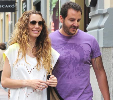 Borja Thyssen y Blanca Cuesta, dos futuros papás de compras por Madrid