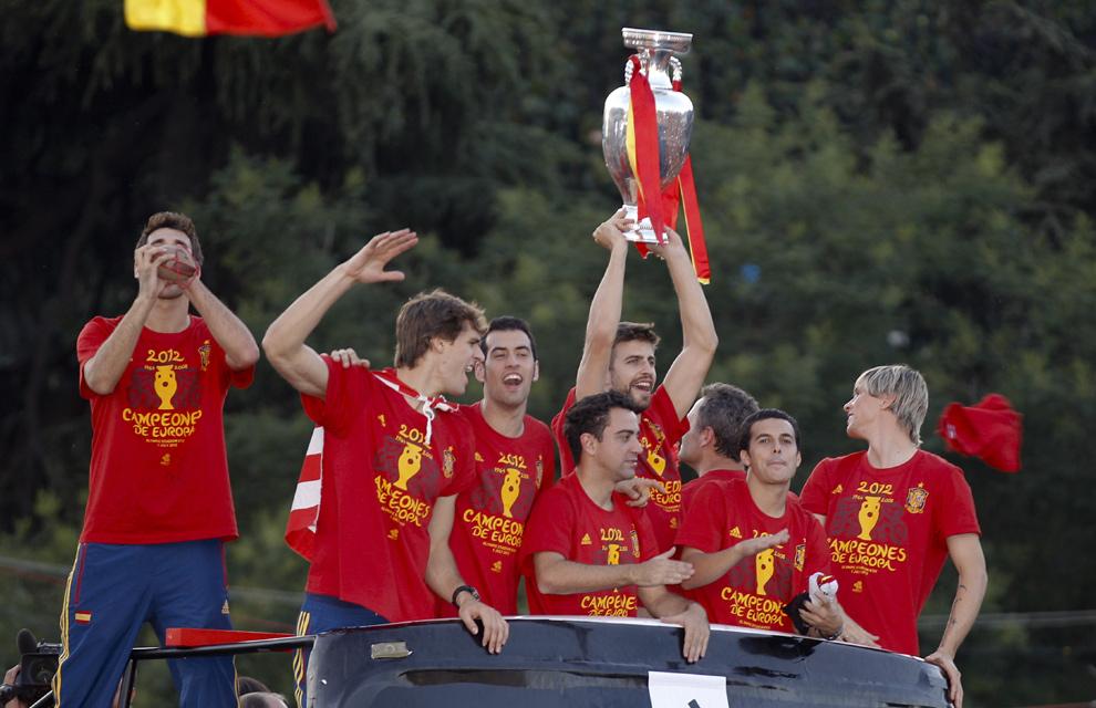 Eurocopa 2012  Fiesta-roja6-a