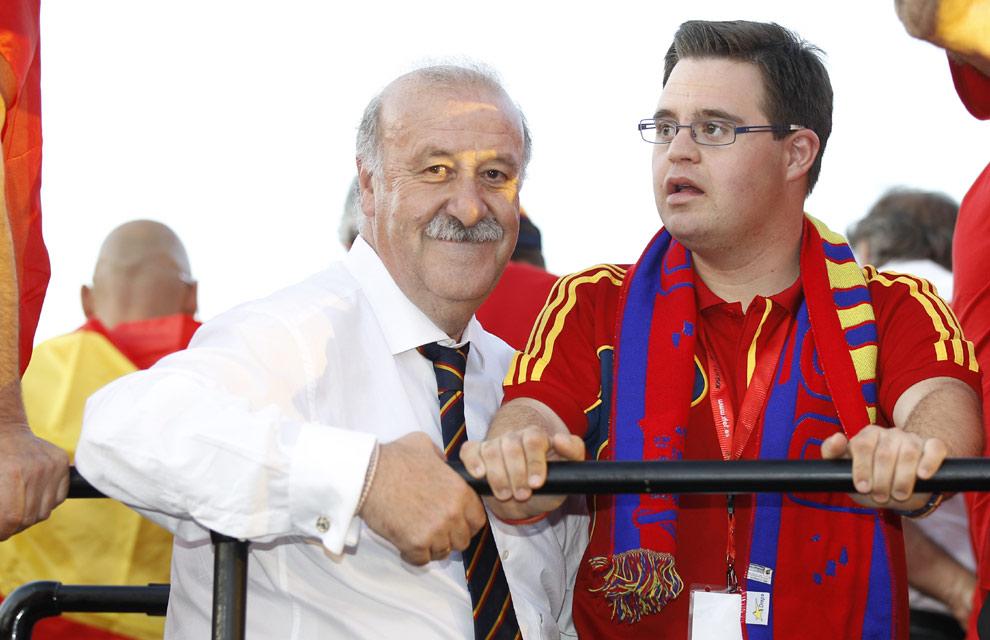 Eurocopa 2012  Fiesta-roja16-a