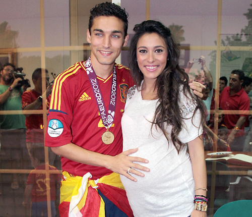 Family photo of the football player, married to Alejandra Mora, famous for Manchester City & Sevilla.