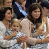 ¡Bien hecho papi! Roger Federer celebra el triunfo en Wimbledon con sus tres 'chicas'