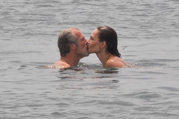 Las divertidas y familiares vacaciones de Adriana Abascal en Ibiza