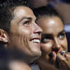 Andrés Iniesta recoge el merecido trofeo de Mejor Jugador de la UEFA 2012