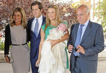 Carla Goyanes y Jorge Benguría bautizan a su hijo, Carlos
