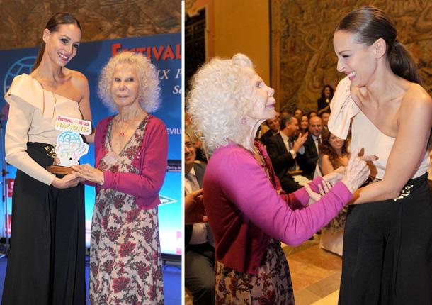 Eva González recoge un premio de manos de la duquesa de Alba: 'Muchas gracias por venir Cayetana, me ha hecho mucha ilusión'
