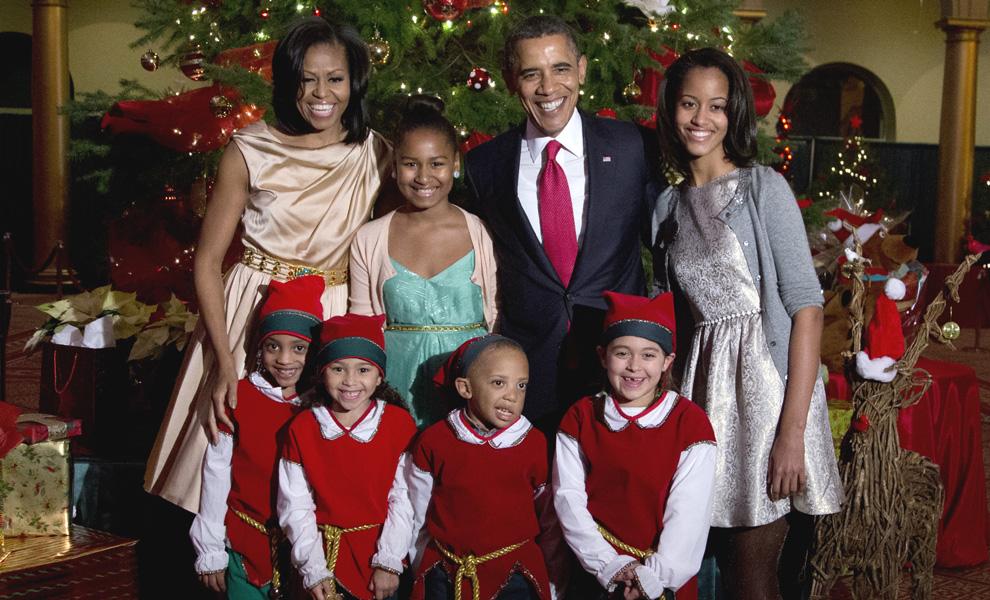 La familia Obama 'enciende' la Navidad al ritmo del Gangnam Style