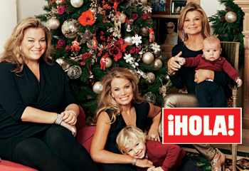 En ¡HOLA!: Cari Lapique, sus hijas, Carla y Caritina, y sus nietos, reunidos en Navidad
