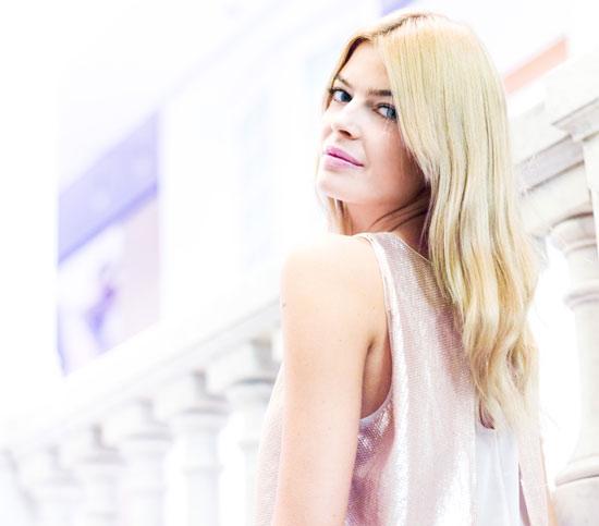 Entrevistamos a Cristina Tosio: 'Mi ritual de belleza fundamental es acostarme con la cara bien hidratada'