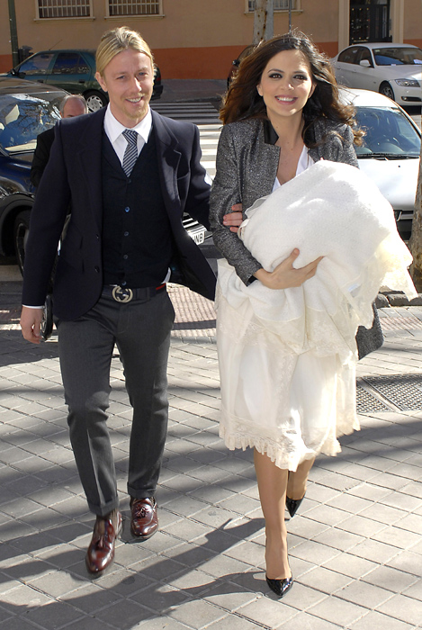 Guti y Romina bautizan a su hijo Enzo