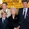La duquesa de Alba celebra su 87º cumpleaños visitando en familia al Cristo de los Gitanos