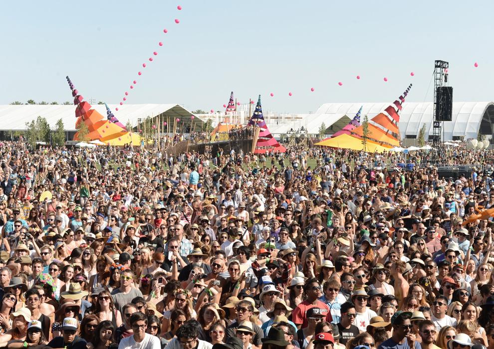 Robert Pattinson y Kristen Stewart, Diane Kruger, Paris Hilton... El espíritu 'hippie' inunda Coachella