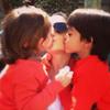 Guti y Romina, Manu y Silvia... ¡besos y más besos!