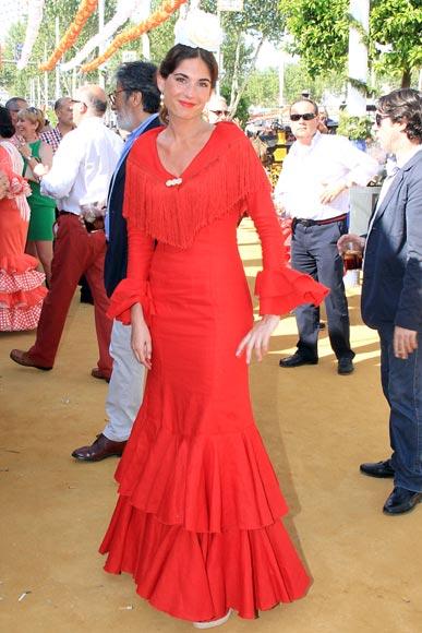 Raquel Jiménez, novia de David Bisbal, y Lourdes Montes, belleza andaluza en el ferial sevillano