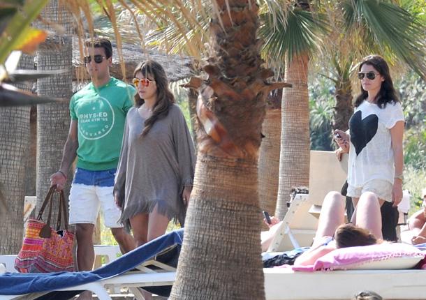 Elena Tablada disfruta del mar junto a su amor y dos de sus mejores amigas, María José Suárez y Raquel Rodríguez