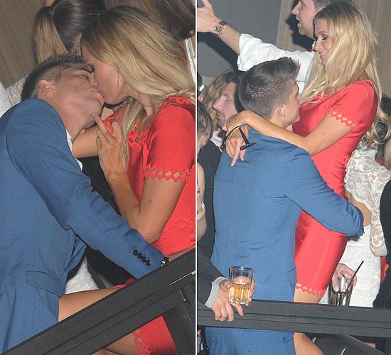 Paris Hilton se 'come' a besos a su novio, el modelo español River Viiperi