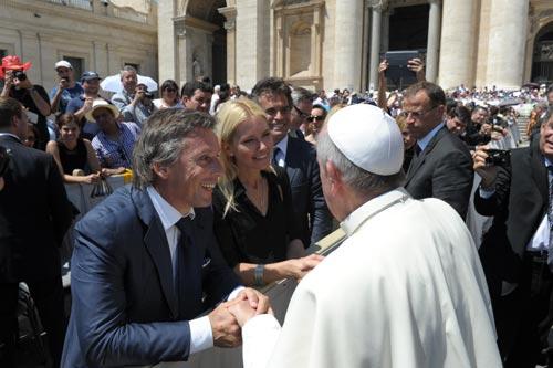 De Benedicto XVI a Francisco - Página 14 Valeria-mazza3-z