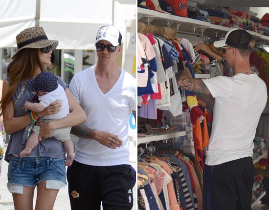 Guti y Romina renuevan juntos el fondo de armario de su hijo Enzo durante sus vacaciones en Ibiza
