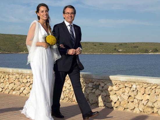 La romántica boda de Patricia, hija de Artur Mas, con Rubén Torrico