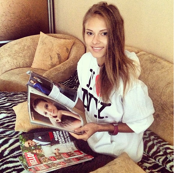 Dasha Kapustina, novia de Fernando Alonso, fan de HELLO! Rusia