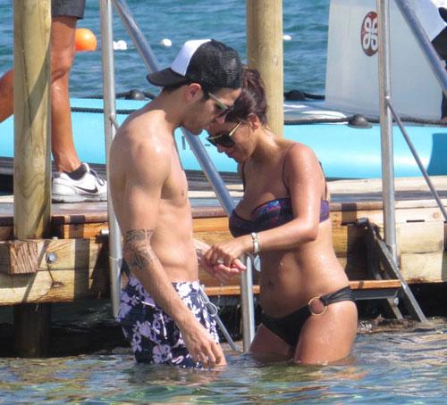 Cesc Fábregas y Daniella Semaan, vacaciones en Ibiza con la familia Messi