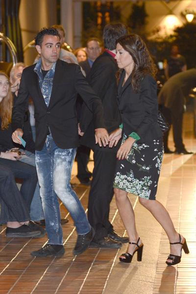 Xavi Hernández y su novia, Nuria Cunillera, donarán los regalos de su boda para construir un hospital