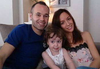 Andrés Iniesta anuncia que será padre por segunda vez: 'Valeria tendrá un hermanito'