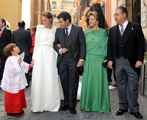 La duquesa de Alba, Amaia Salamanca, Patricia Rato... se reúnen en la boda del hijo del alcalde de Sevilla