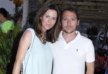 La familia de Amelia Bono y Manuel Martos acude a conocer a Gonzalo, el tercer hijo de la pareja