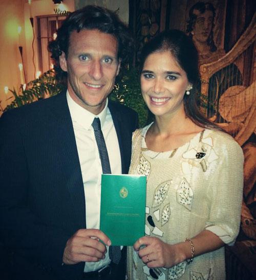Diego Forlán y Paz Cardoso se dan el 'sí, quiero' en una sencilla y privada ceremonia religiosa