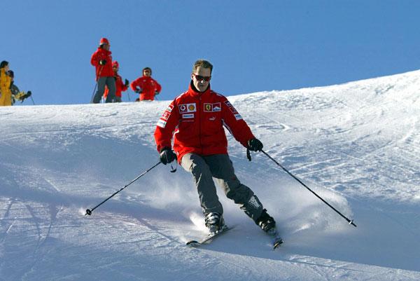 Amigos, compañeros y fans envían mensajes de ánimo a Michael Schumacher