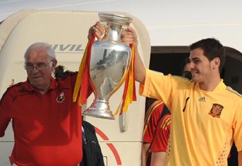 El mundo del fútbol llora la muerte de Luis Aragonés